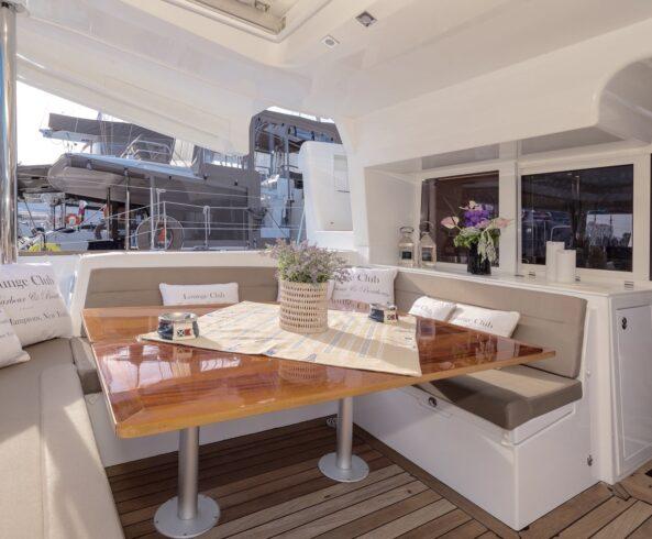Dining-Aft-Deck